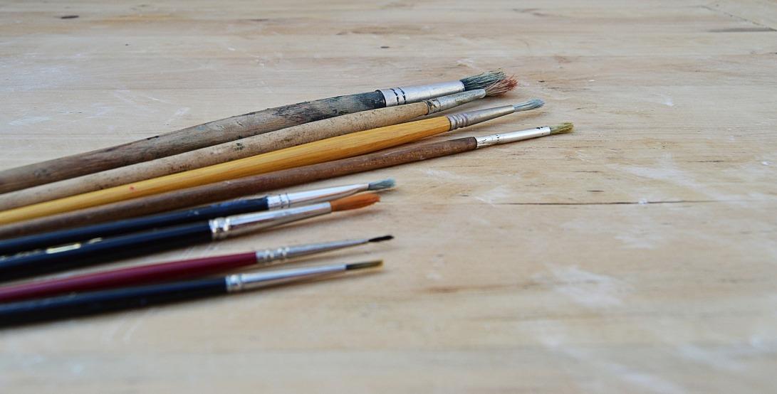 brushes-2552433_1920